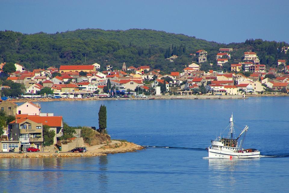 Les villes côtières , Village typique et pittoresque, Croatie , Croatie