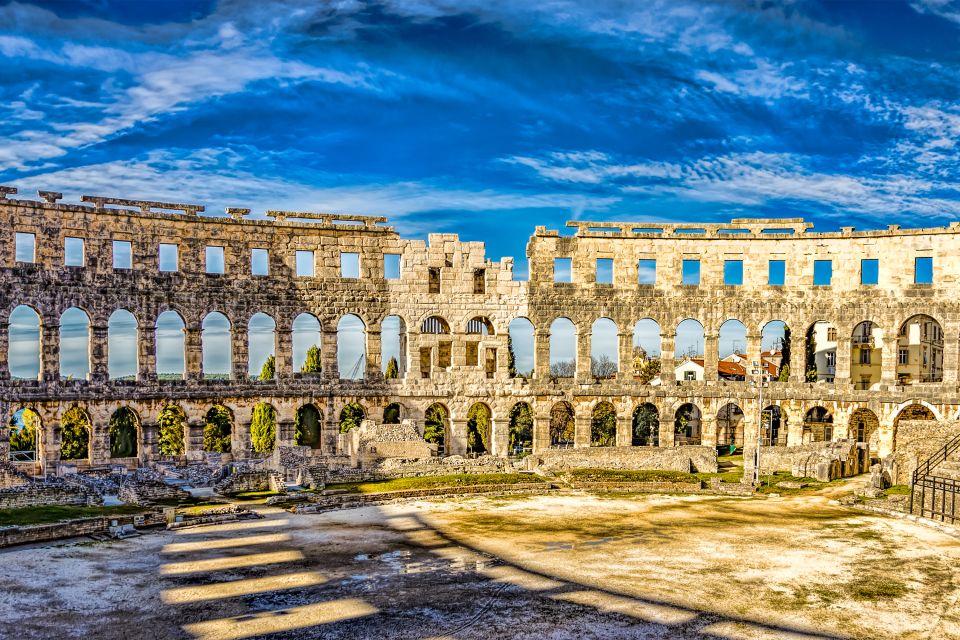 Les monuments, pula, amphithéâtre, colisée, arêne, croatie, europe, anntiquité, ruine, istrie