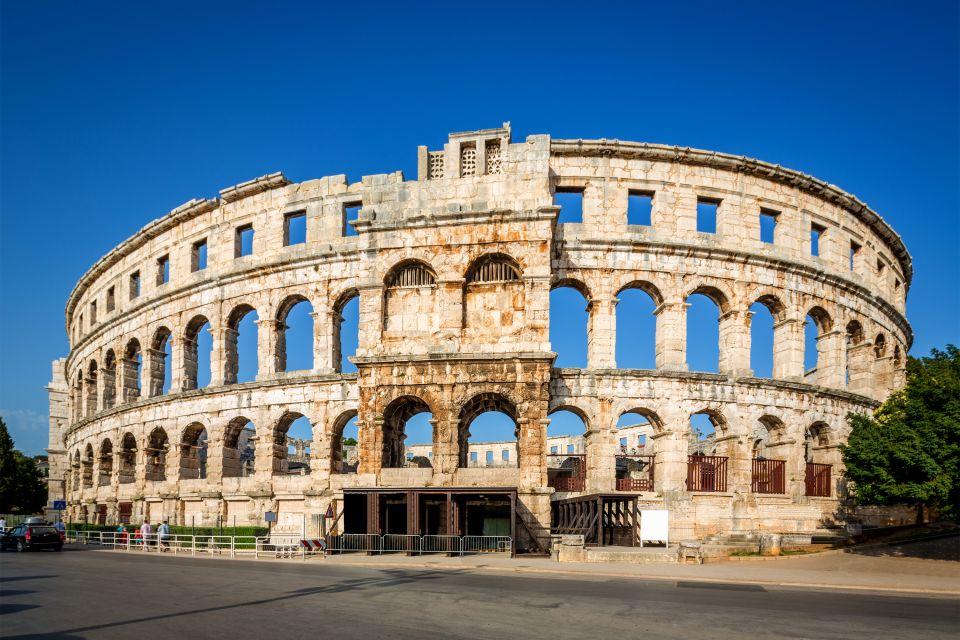 Les monuments, pula, amphithéâtre, colisée, arêne, croatie, europe, anntiquité, ruine