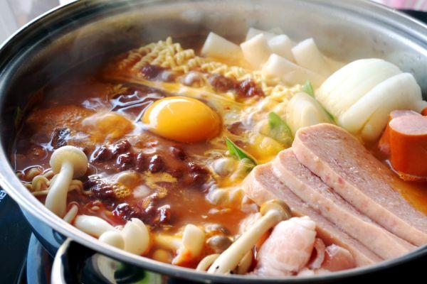 Les arts et la culture, charcuterie, oeuf, hot pot, kim, chi, kimchi, corée, sud, gastronomie, cuisine, recette, plat, alimentation, légume, piment, nourriture, gojuchang