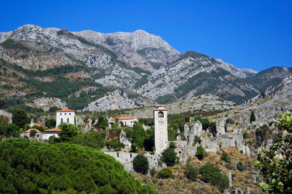 , Le village abandonné de Stari Bar, Les monuments, Monténégro
