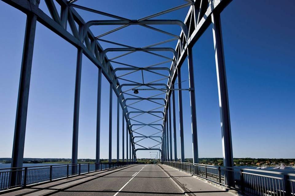 El camino costero de Seeland , El puente de la reina Alejandrina , Dinamarca