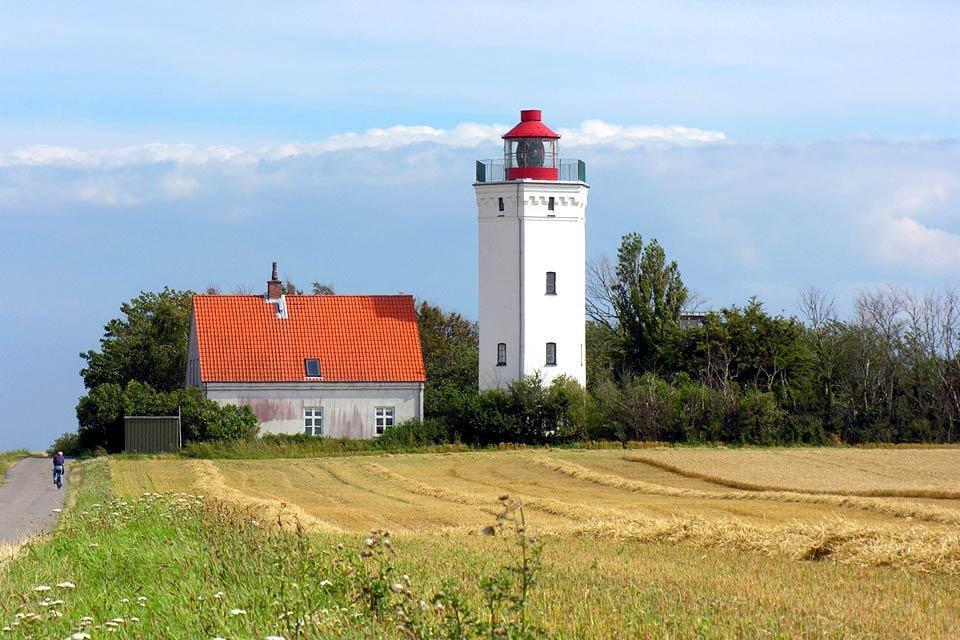 El camino costero de Seeland , Paseo en bici por el faro , Dinamarca