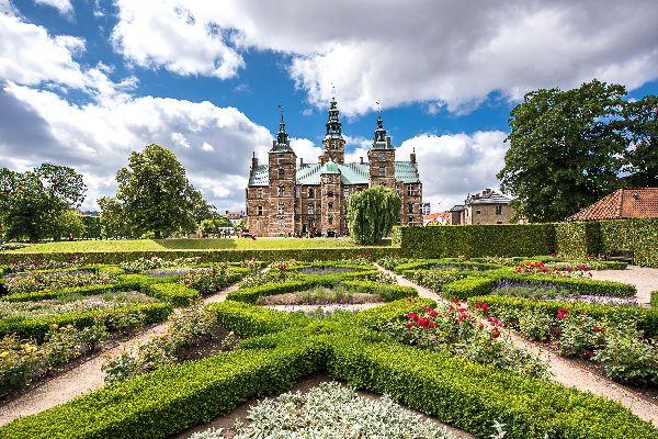 The royal castles , Kronborg Castle in Elsinore , Denmark