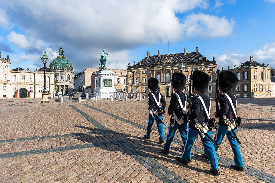 The royal castles , Guards at Amalienborg Palace , Denmark