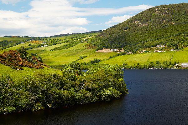 Le Loch Ness , Les Highlands , Royaume-Uni
