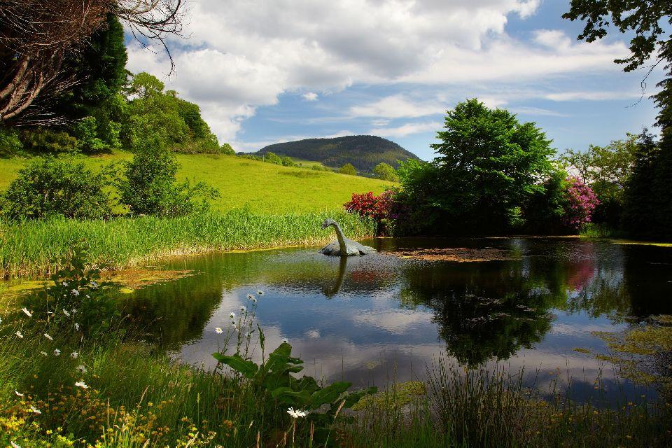 El lago Ness , El monstruo del Lago Ness en Escocia , Reino Unido