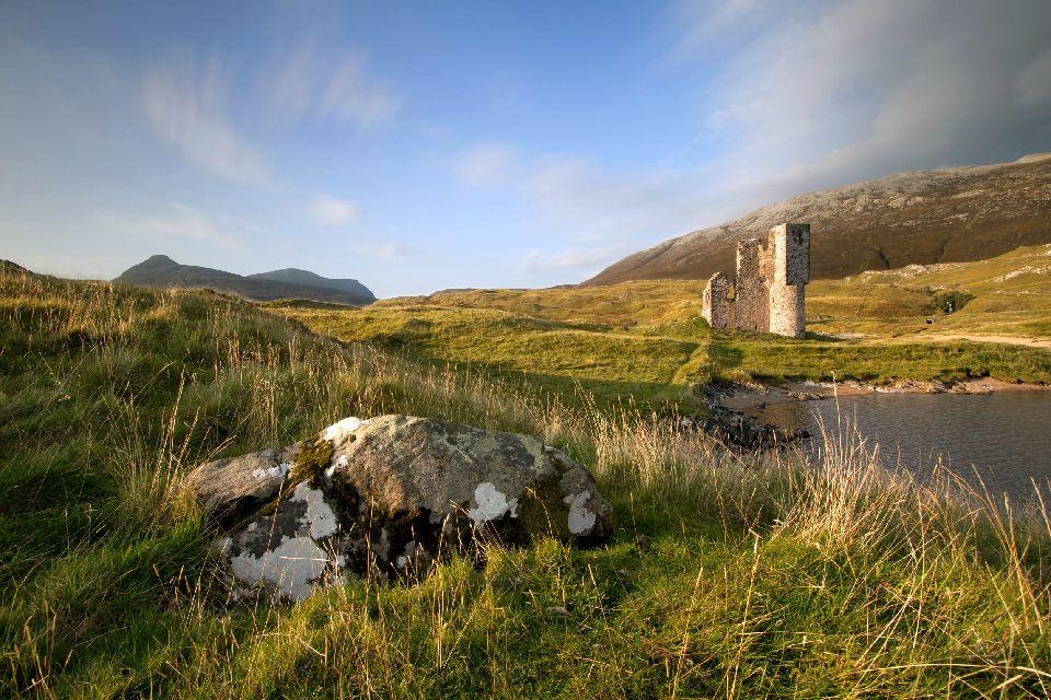 Caithness y Sutherland , El castillo de Ardvreck en Escocia , Reino Unido