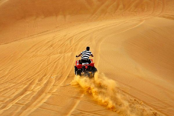 Die Wüste , Dubai und die Emirate