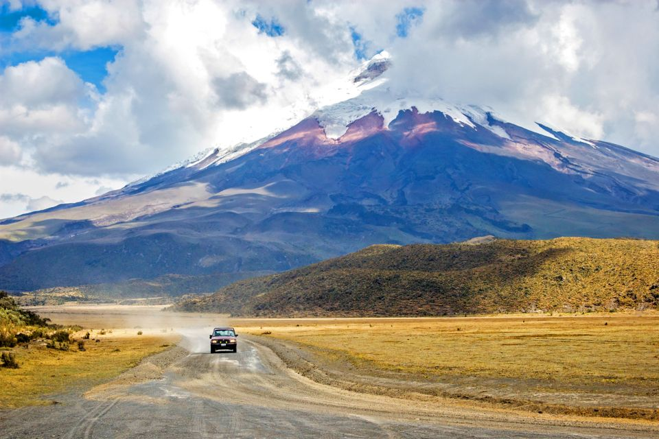A road to reach the top., The Volcano Avenue, Landscapes, Ecuador and Galapagos Islands