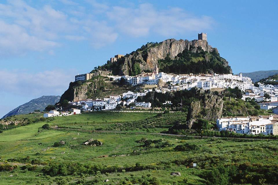 Los pueblos blancos , Zahara de la Sierra, Pueblo blanco Andaluz , España