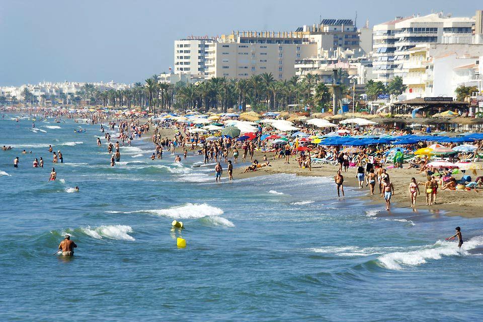 La plage de Benalmadena, Costa del Sol - Benalmadena Costa, Les côtes, Andalousie