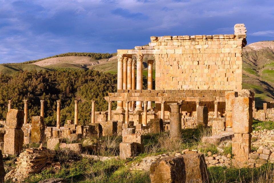 El teatro de Djémila, Las ruinas romanas, Los monumentos, Argelia