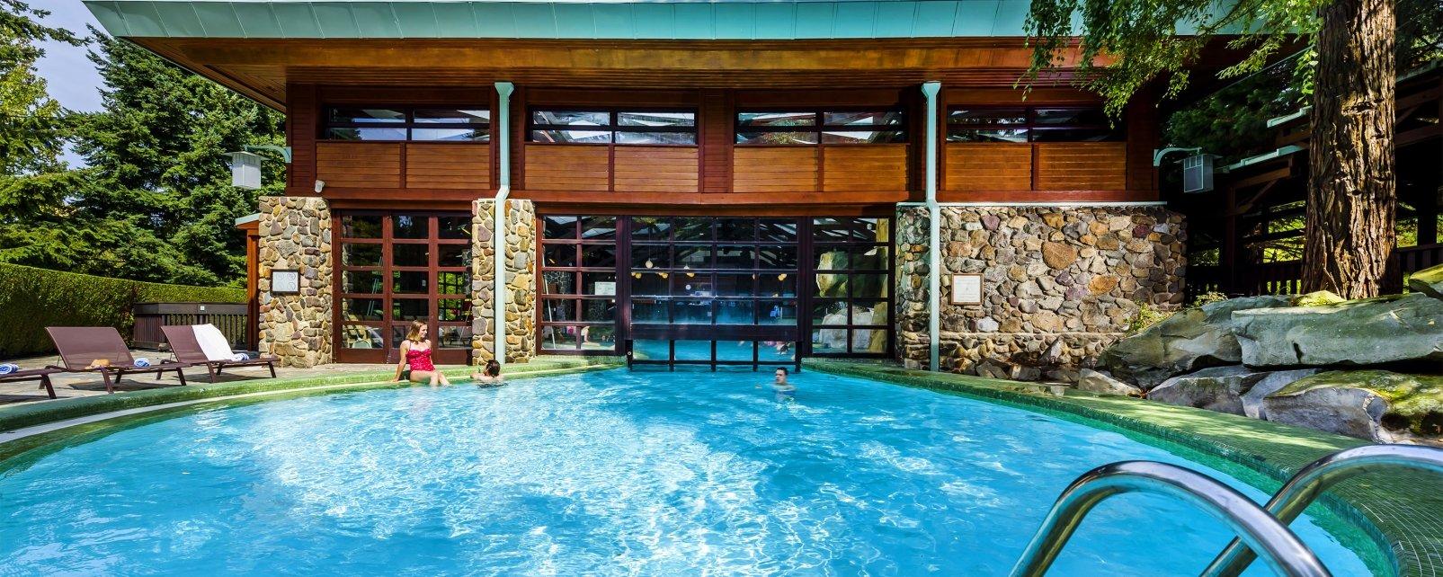H 244 Tel Disney S Sequoia Lodge Marne La Vall 233 E France