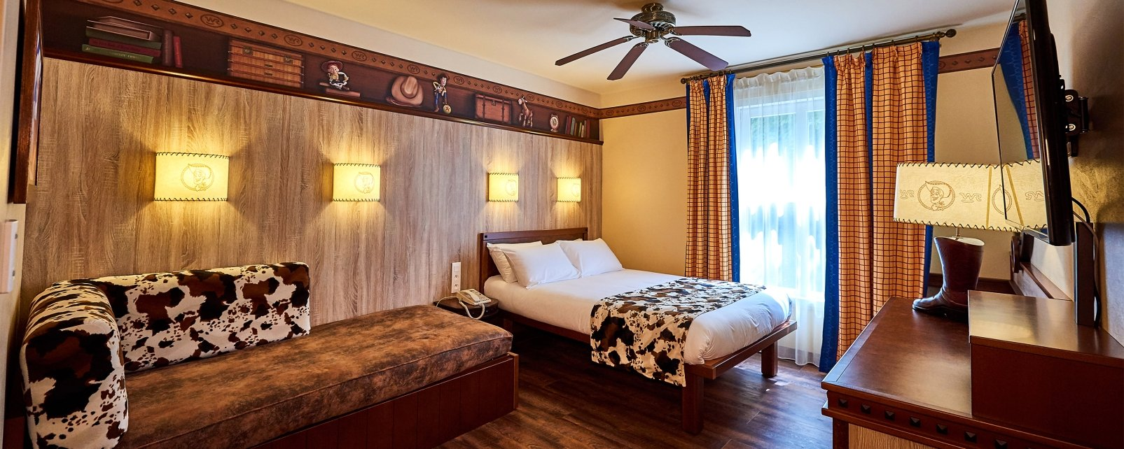 Hotel Disney 39 S Cheyenne In Marne La Vall E France