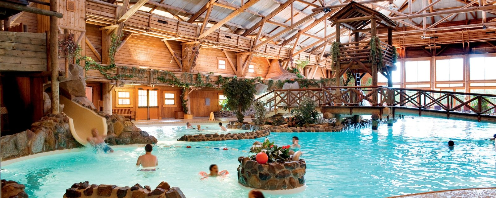 H tel disney 39 s davy crockett ranch marne la vall e france for Piscine davy crockett