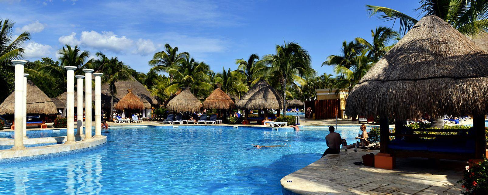 Hotel Viva Azteca