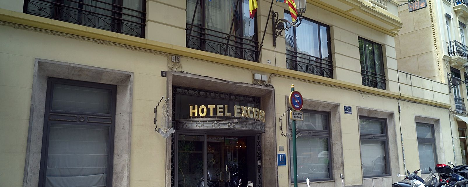 Hotel Catalonia Excelsior Hotel