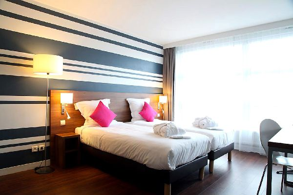 h tel suite novotel lille europe. Black Bedroom Furniture Sets. Home Design Ideas
