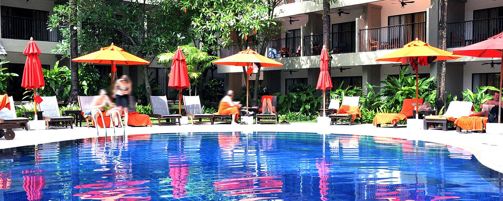 Hotel Courtyard Phuket at Surin Beach