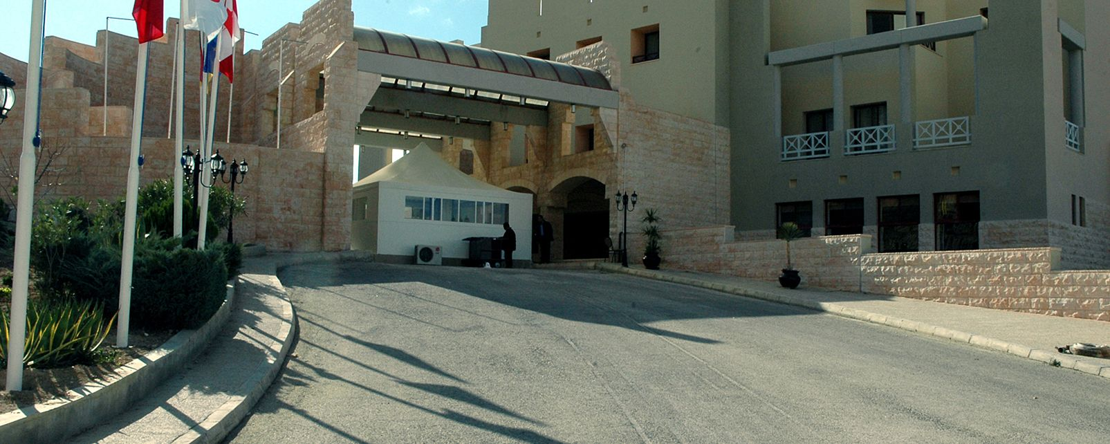 H tel moevenpick nabatean castle hotel petra jordanie for Hotels jordanie