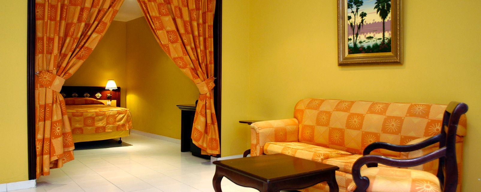 Hotel Comercial Santo Domingo
