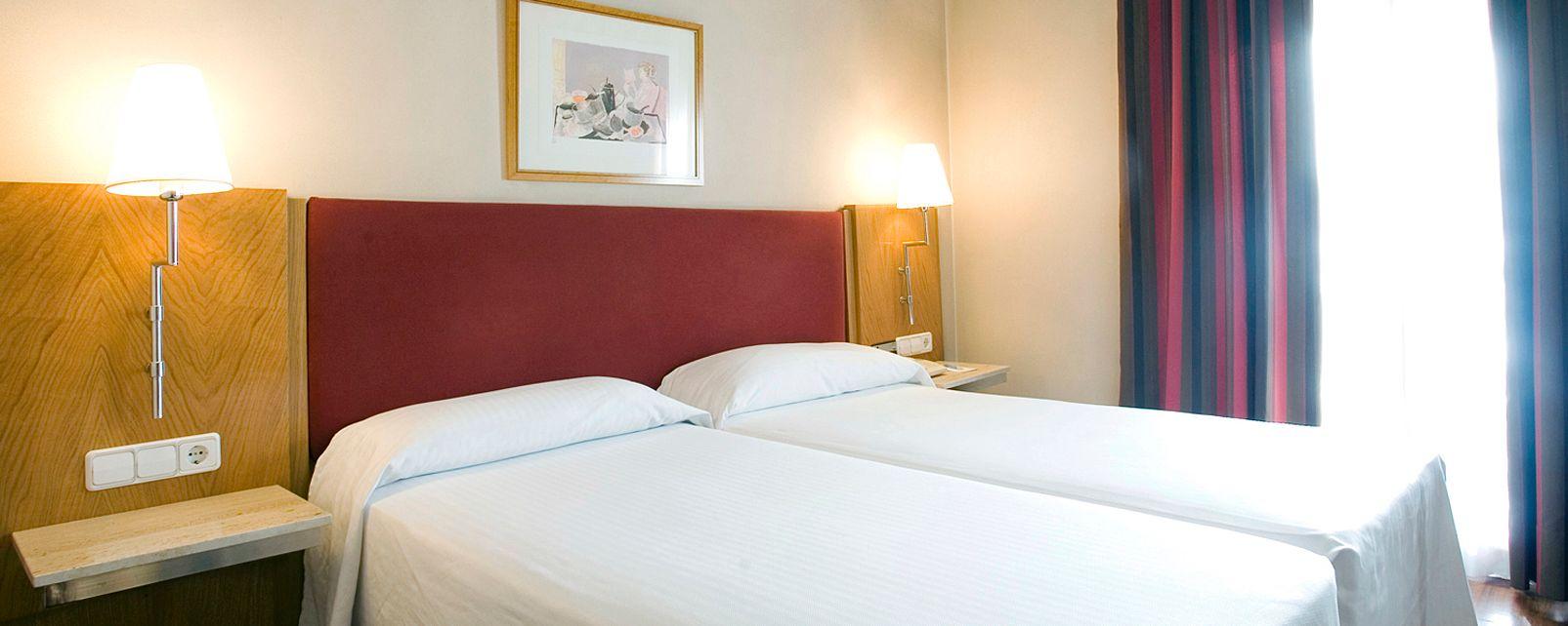 Hotel NH Sur