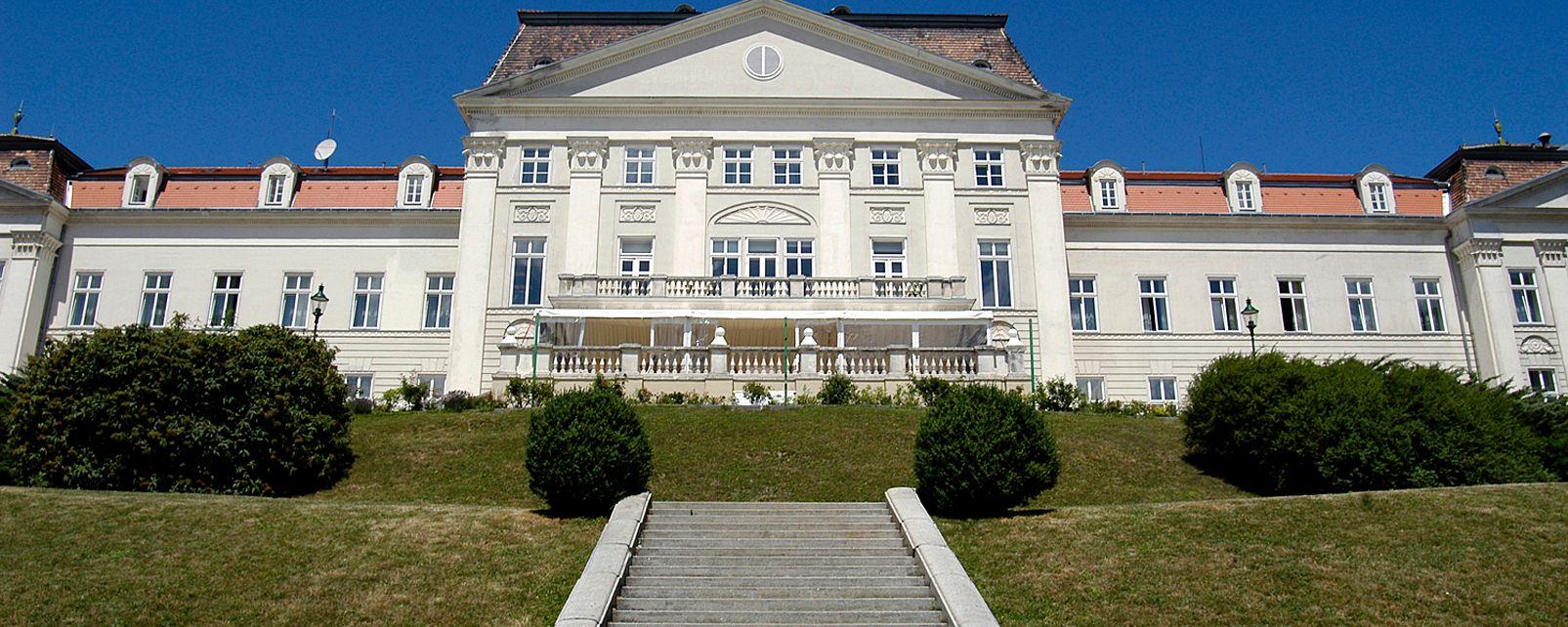 Hotel Schloss Wilhelminenberg