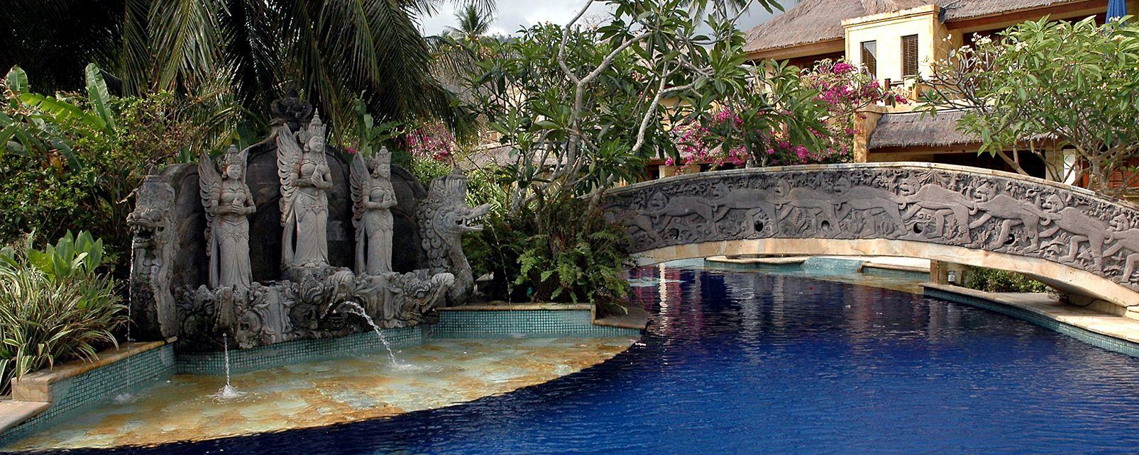 Hotel Pool Villa Club