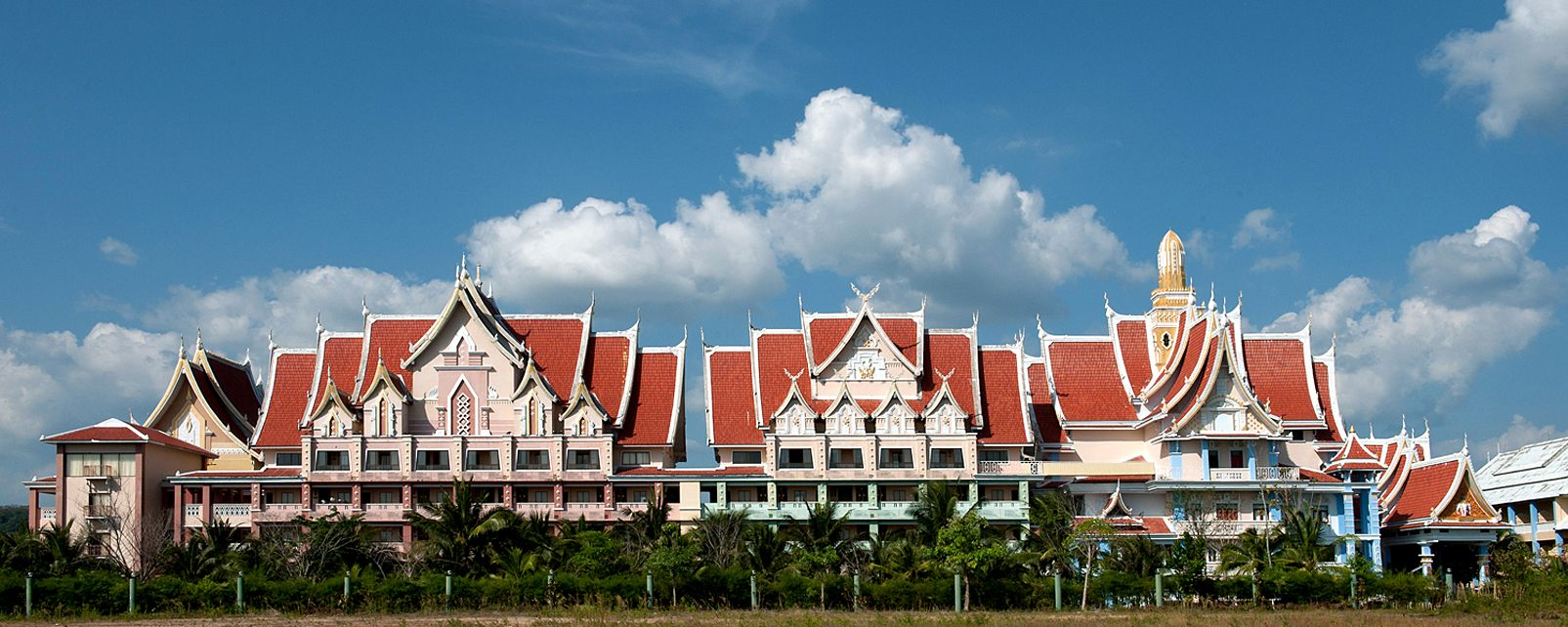 Hotel Ayodhaya Suites Resort Spa