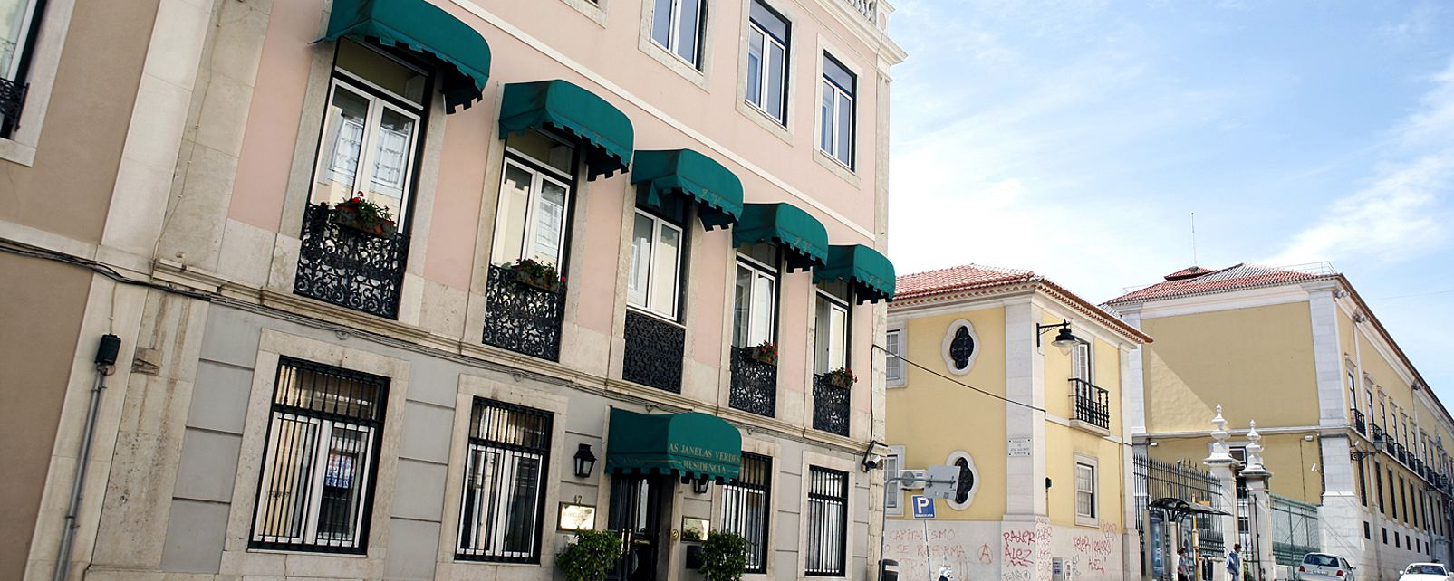 Hotel As Janelas Verdes Inn