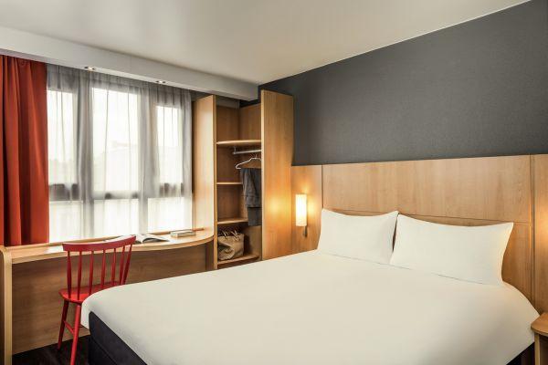 hotel hi matic parigi. Black Bedroom Furniture Sets. Home Design Ideas
