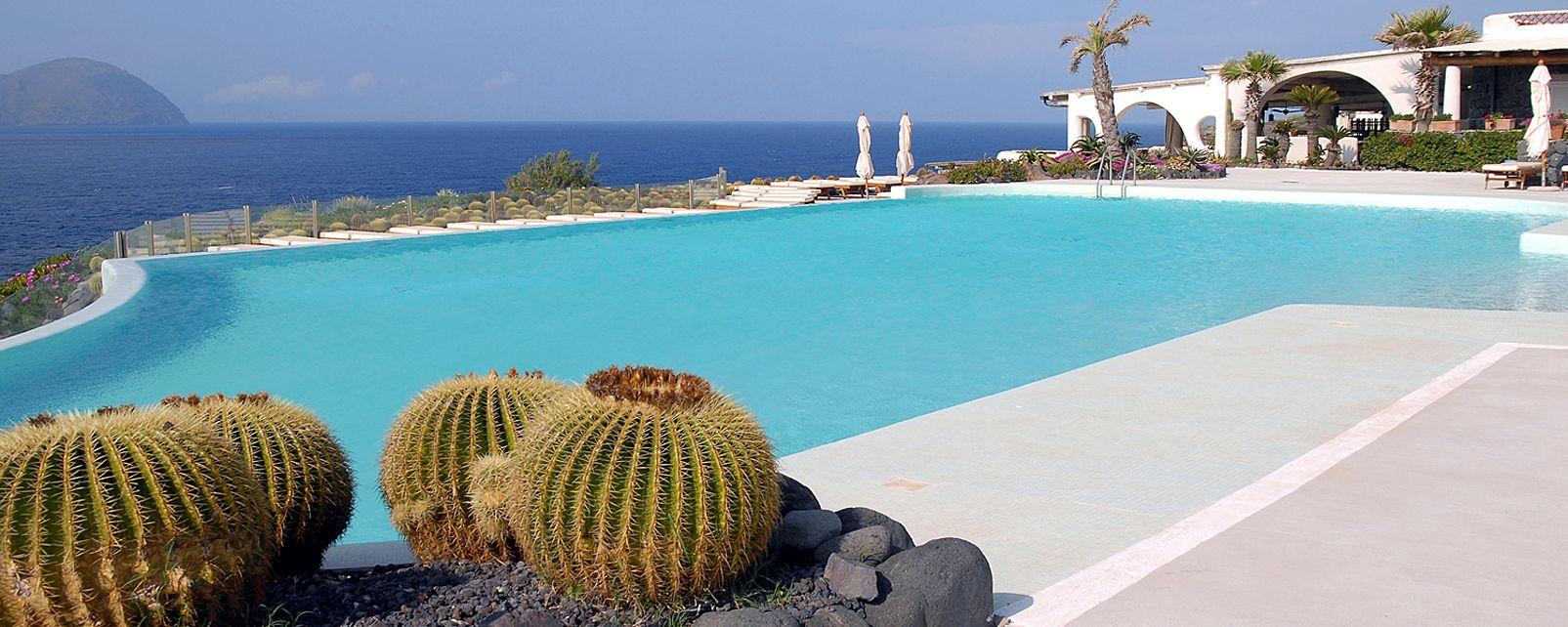 Hotel Therasia Resort