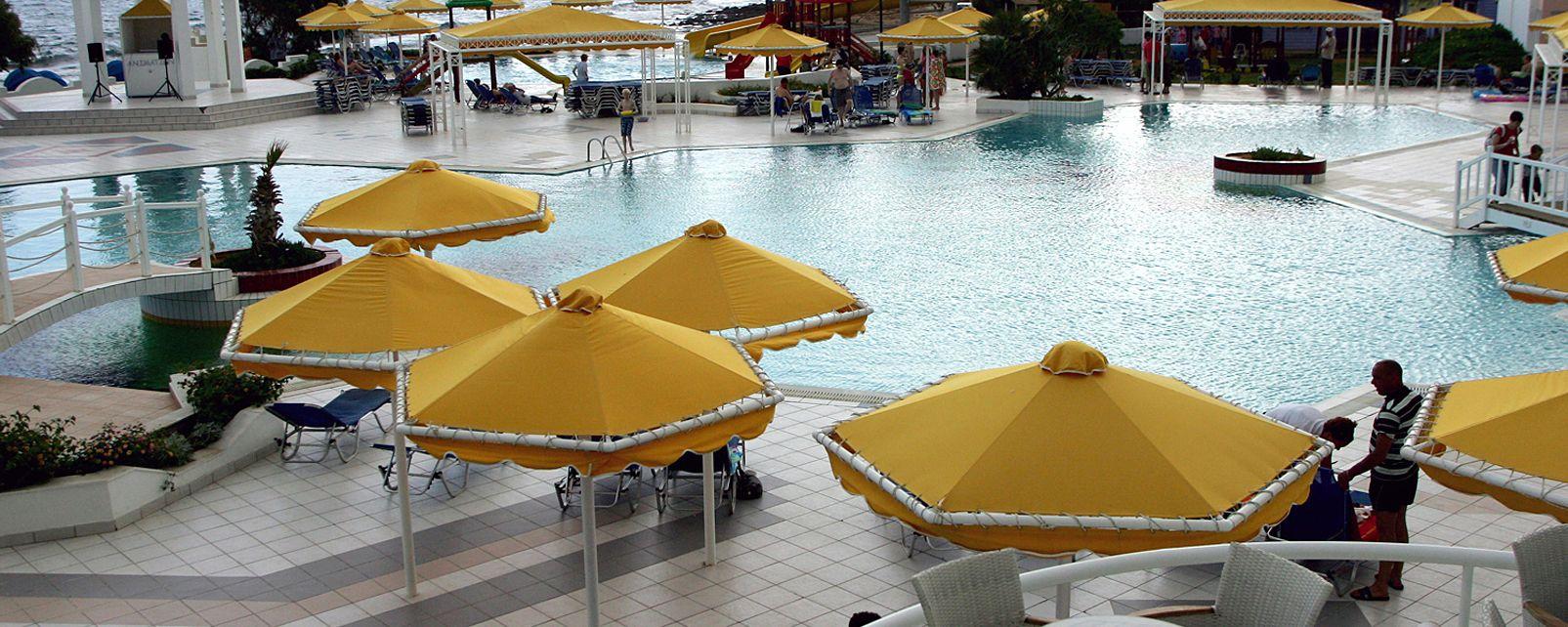 Hôtel Serita Beach Hotel