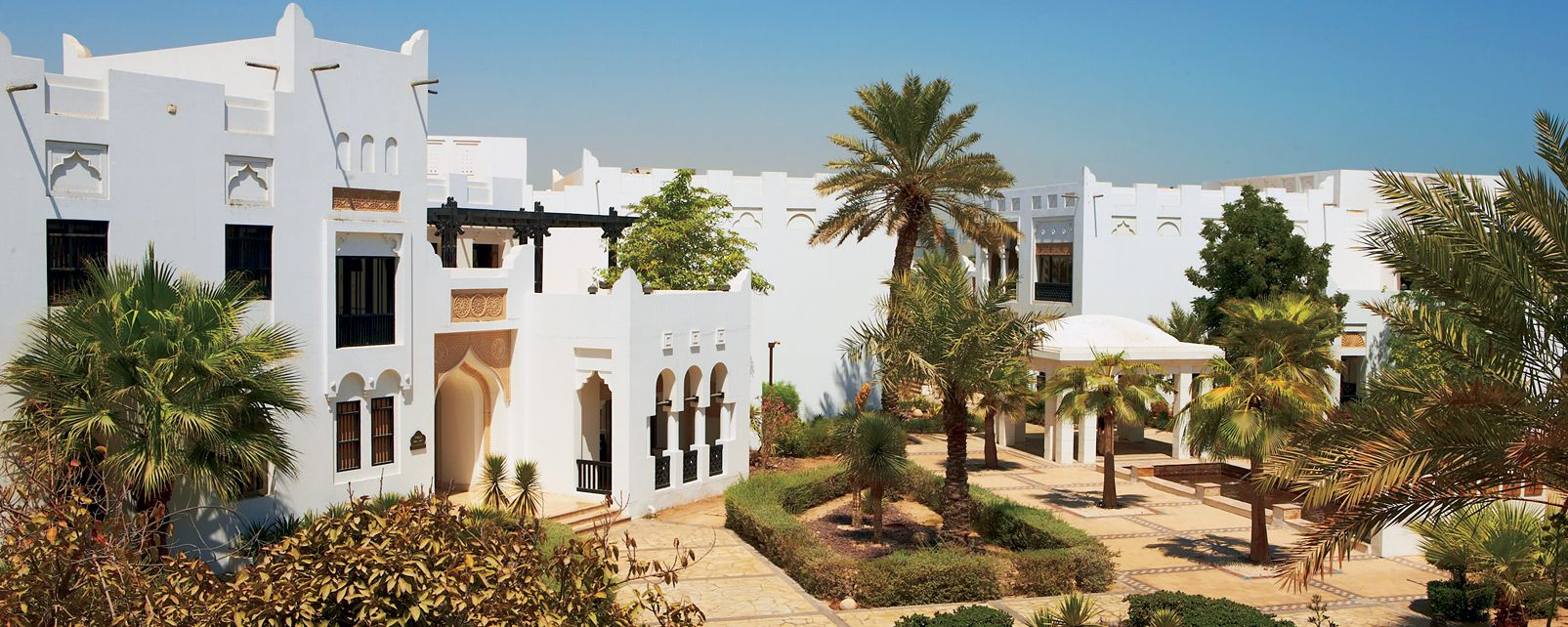 Hôtel Sharq Village and Spa by Ritz Carlton