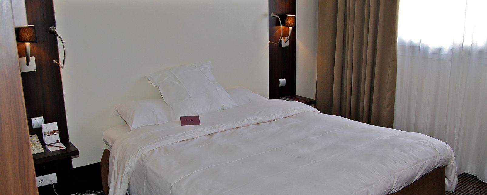 Hotel mercure porte d 39 orleans in paris france for Hotel porte orleans