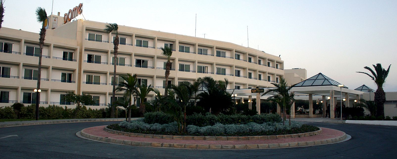 Hotel Dome Beach