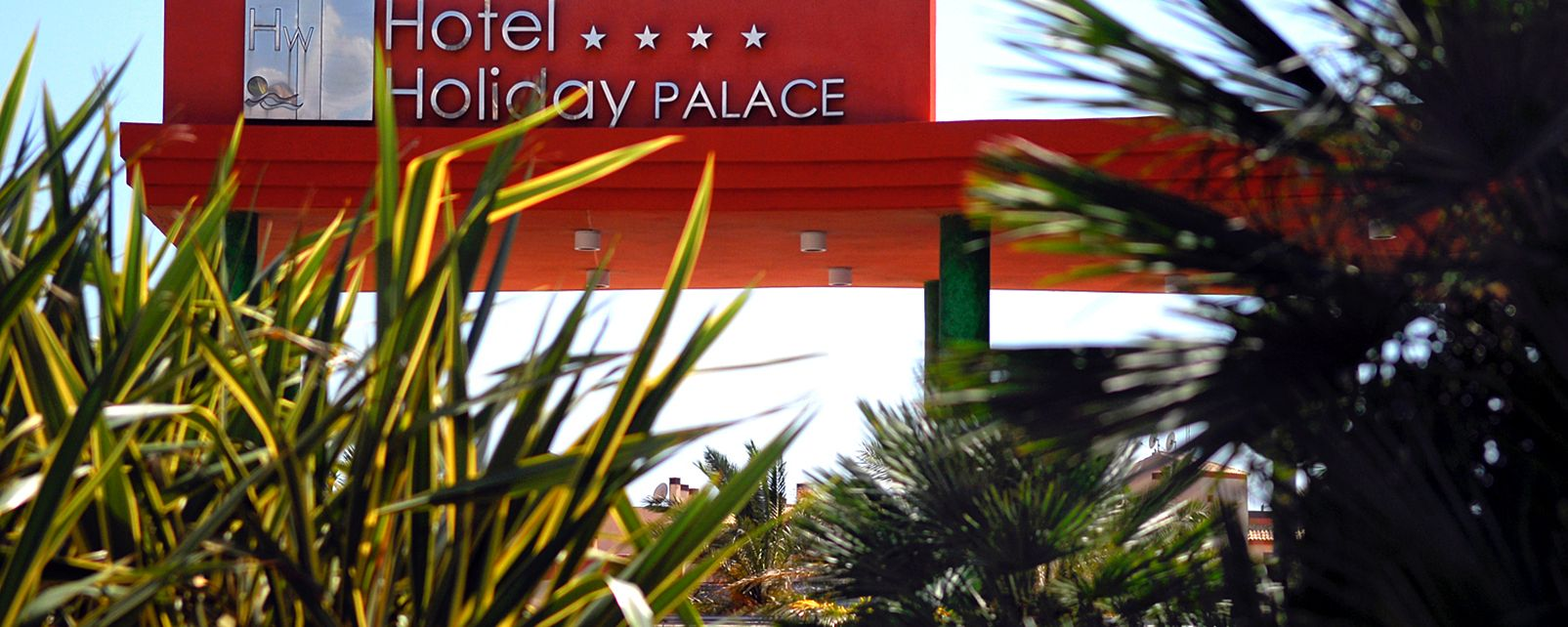 Hotel Holiday Palace