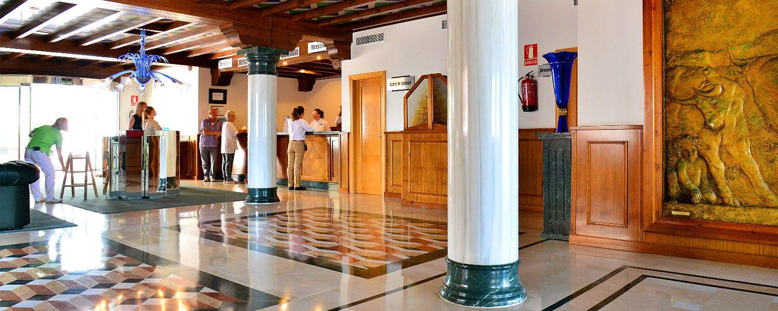 Hotel summa f nix torremolinos espa a - Hoteles modernos espana ...