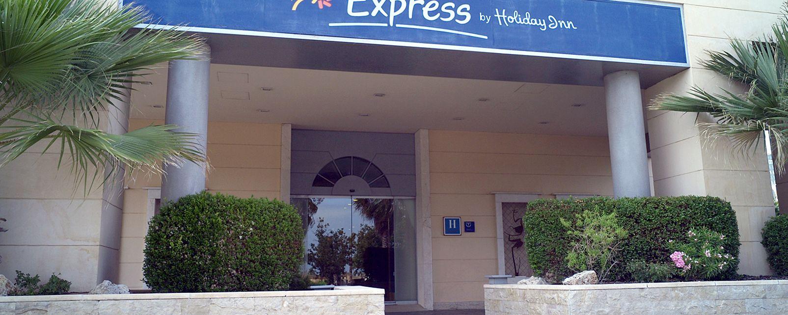 Hotel Express by Holiday Inn Ciudad de las Ciencias