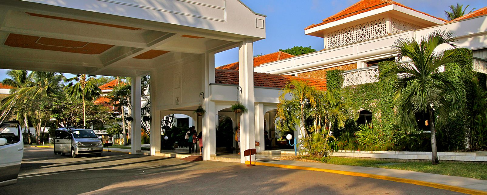 Hotel Sarova Whitesands Beach Resort