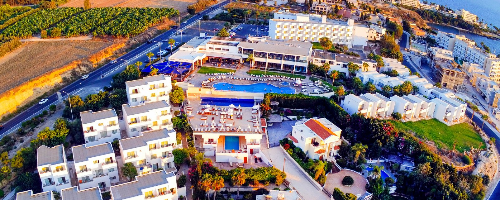 Hôtel Theo Sunset Bay Holiday Village