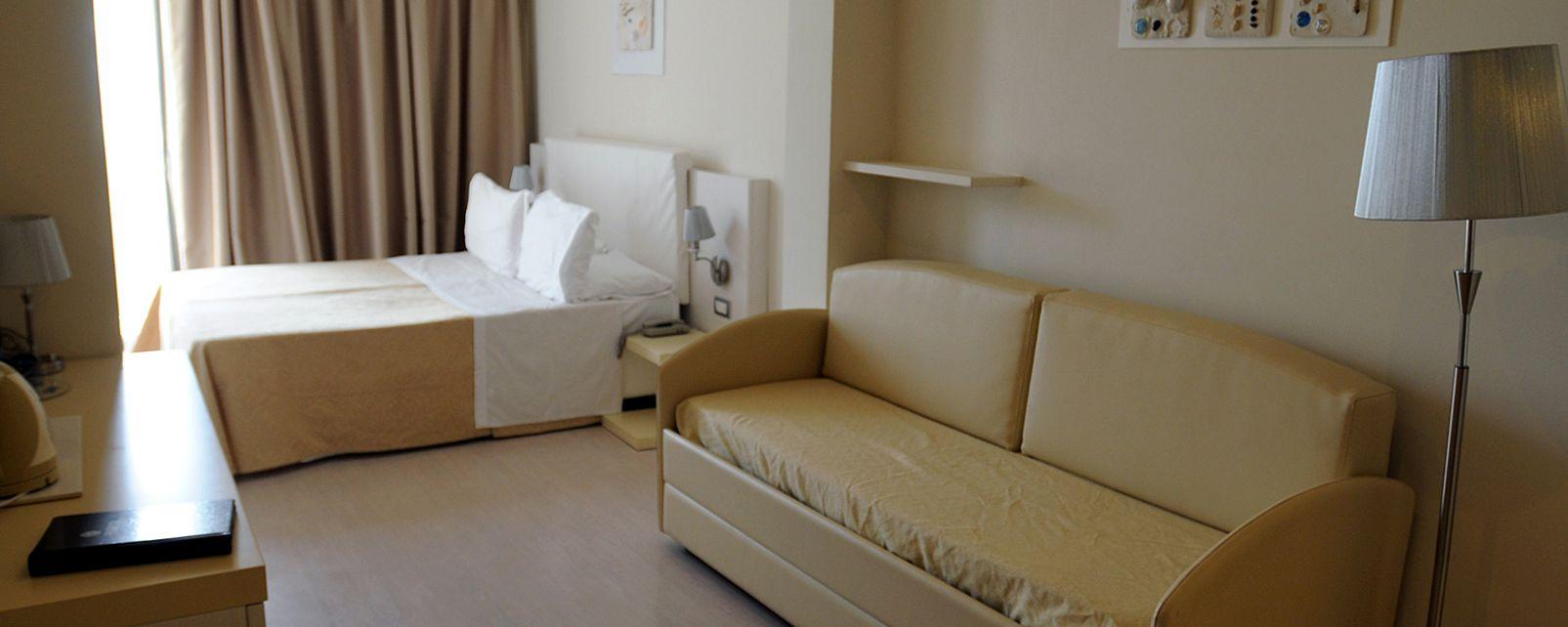 Hotel Ferretti Beach Hotel