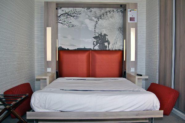 h tel f1 paris porte de chatillon. Black Bedroom Furniture Sets. Home Design Ideas