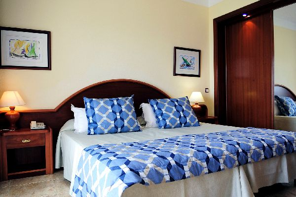 Hotel Sirenis Club Aura in Sant Antoni de Portmany