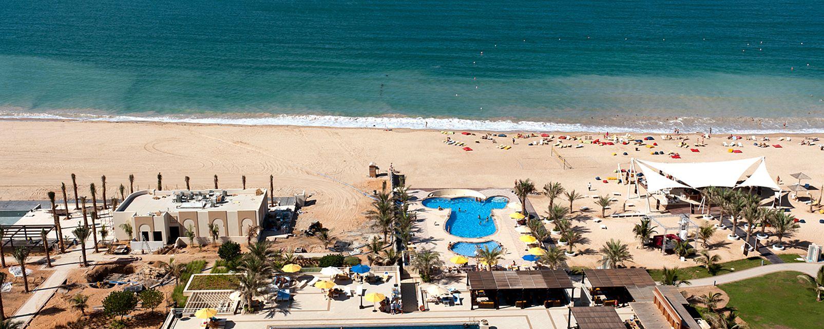 Hotel Al Hamra Palace