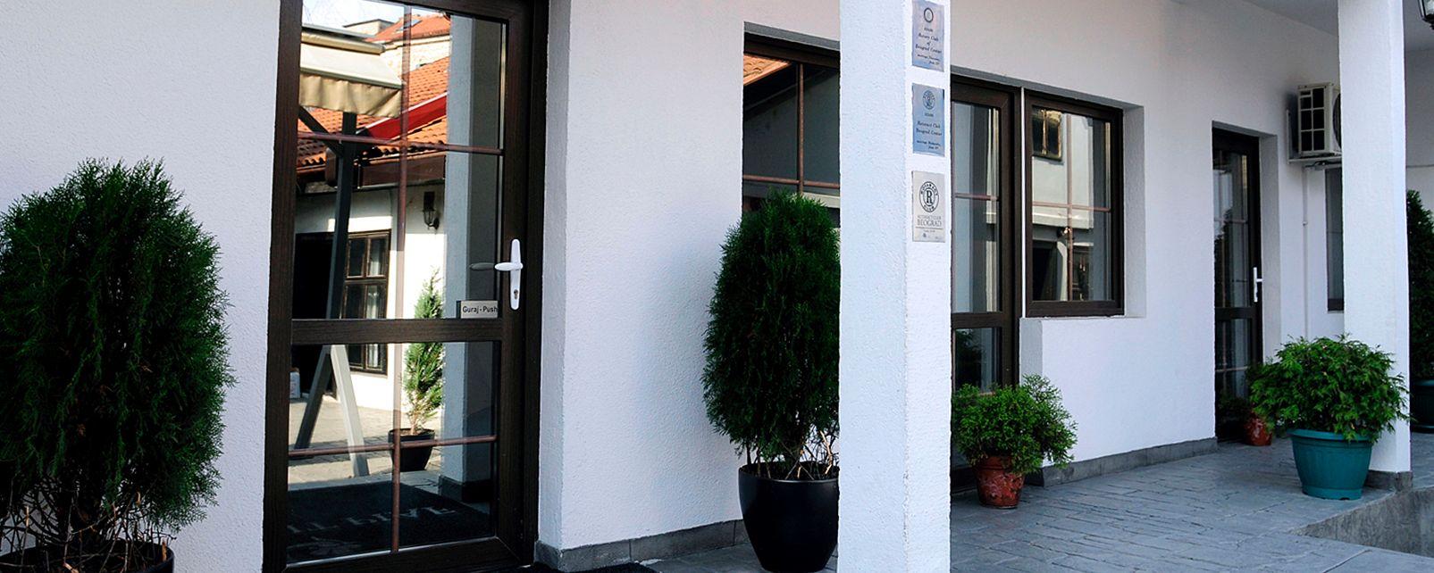 Hotel le petit piaf belgrado for Hotel belgrado