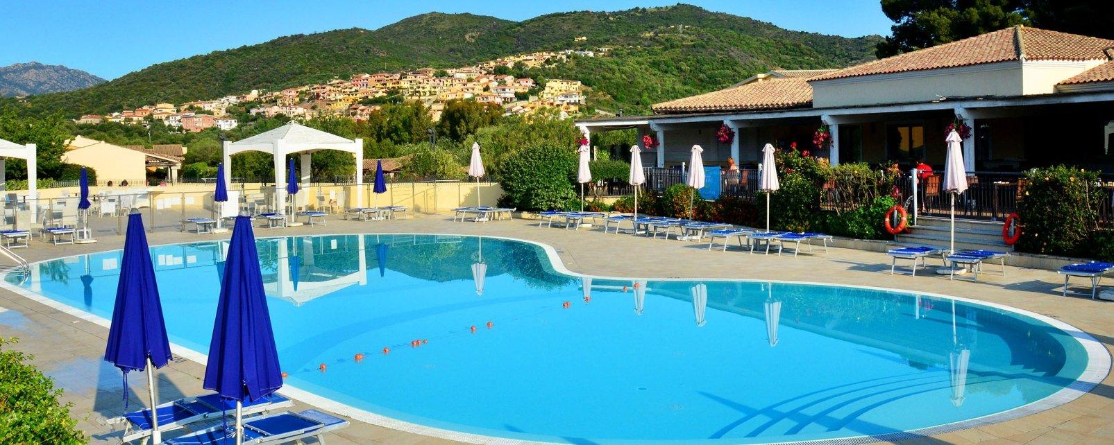 Hotel sporting ottiolu for Offerte budoni agosto