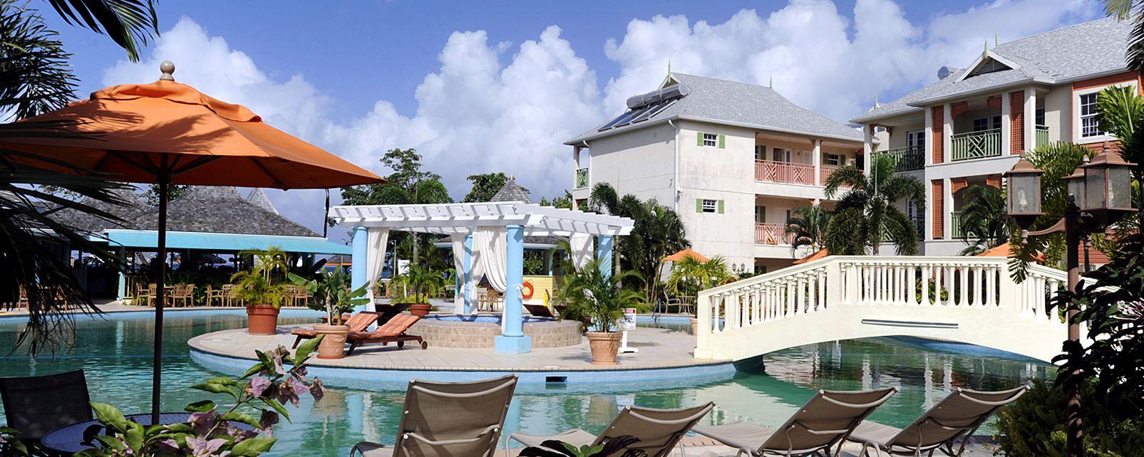 Hotel Bay Gardens Beach Resort