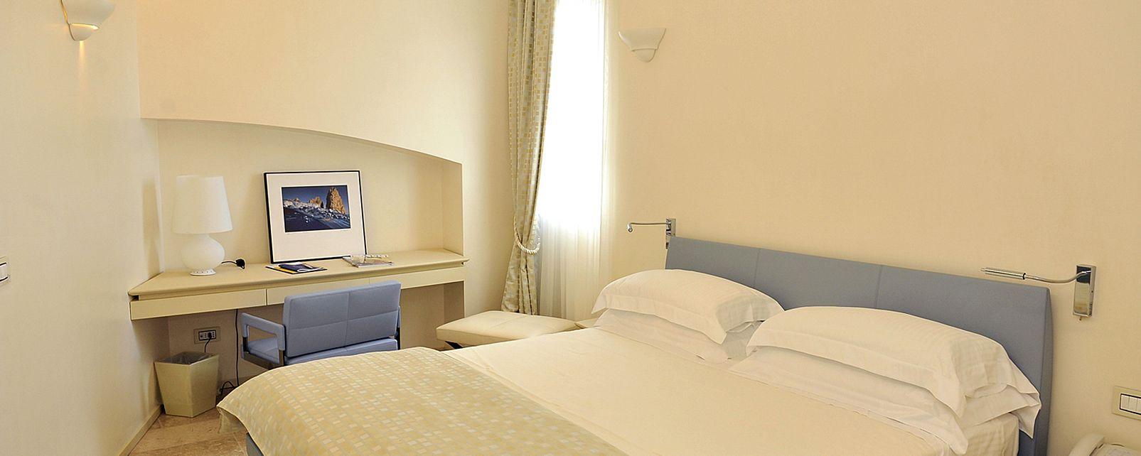 Hotel Melia Villa Capri & Spa